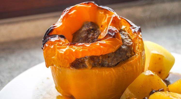 Gevulde Paprika met Surinaams gehakt